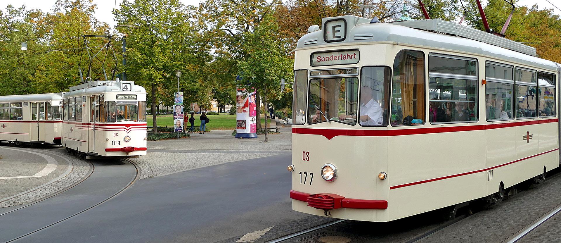 Straßenbahn am Nauener Tor in Potsdam