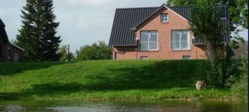 Ferienwohnung direkt am wasser mit kanuverleih for Ferienwohnung delmenhorst