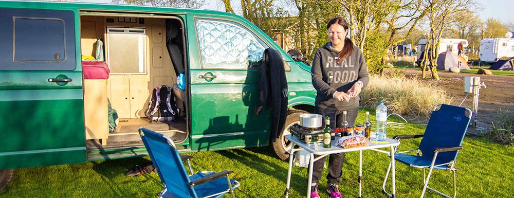 Kochen am Campingplatz in Fehmarn