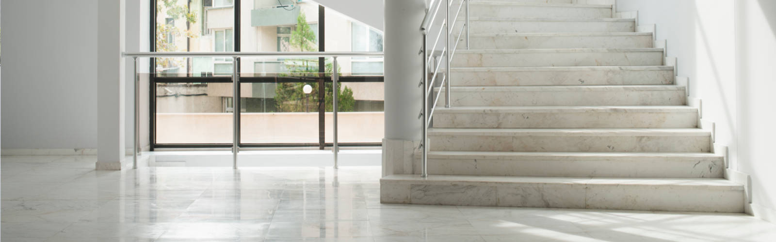Unser Reinigungservice - Treppenhausreinigung