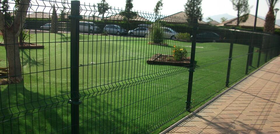 Valla hercules mallas y postes vallas de obra vallas moviles en madrid cerramientos en - Valla metalica jardin ...