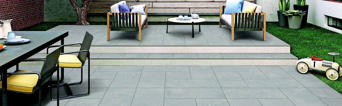Terrassenfliesen von der CMS Fassadengestaltung GmbH verlegt