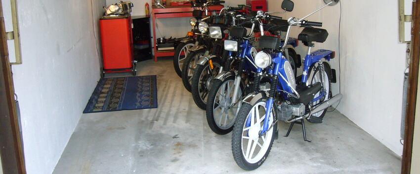 moped hobbygarage manias moped garage. Black Bedroom Furniture Sets. Home Design Ideas