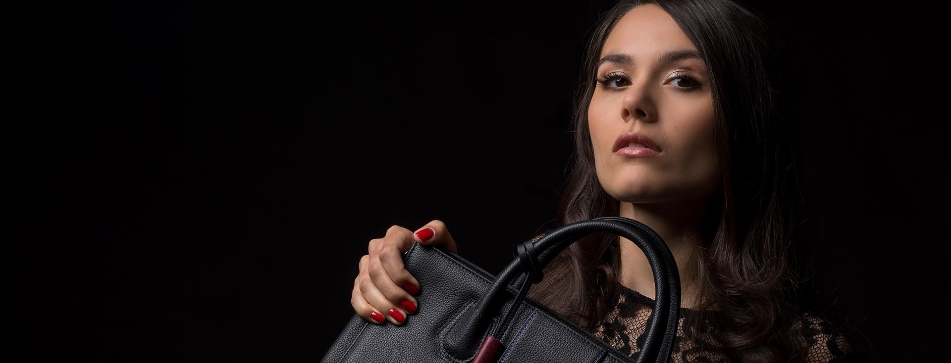 SEKRÈ mystery bag – die Luxus-Handtasche mit Geheimnis