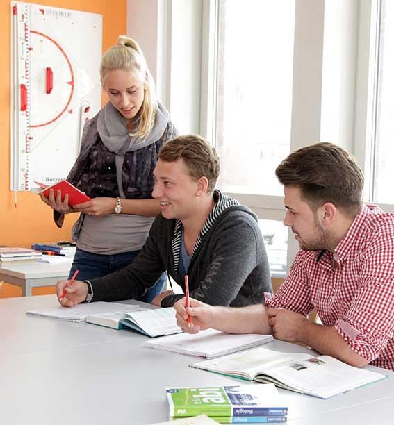 Abiturvorbereitung im Lernstudio B ist unter Schülerinnen und Schülern in Pulheim erste Wahl.