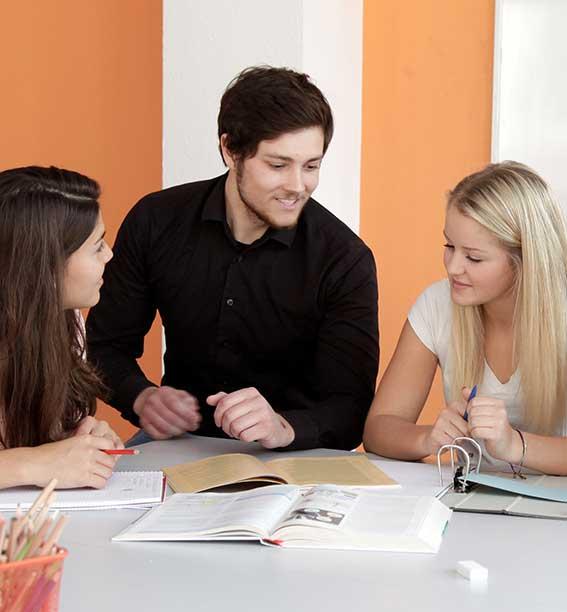 Hausaufgabenbetreuung gehört zur besten Nachhilfe automatisch dazu.