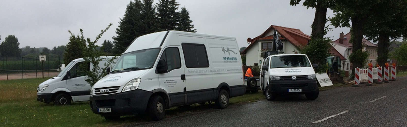 Firmenfahrzeuge der Heiko Herrmann Tief- & Rohrleitungsbau GmbH