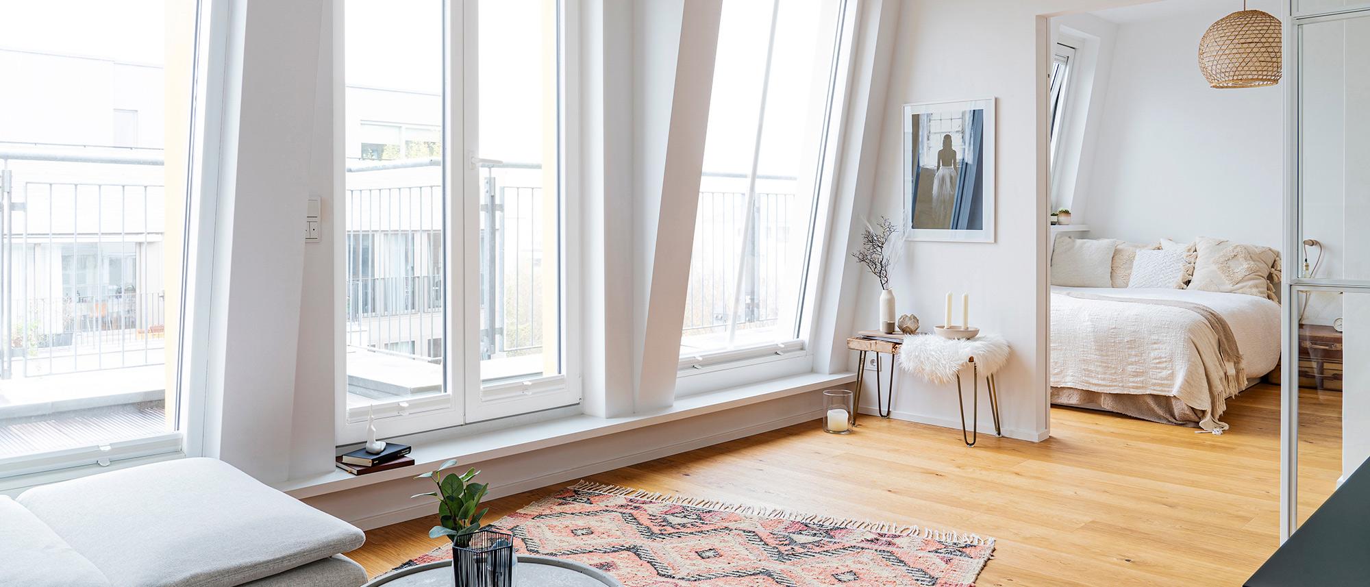 Komplettumbau der Dachgeschoss Wohnung nach Plänen und Entwürfen der Architektin Judith Wahle, Neue Dielenböden, Bäder, Planungsunterstützung und Kostenschätzung, Qualitätssicherung, Kostenkontrolle, Baukoordinierung aller Gewerke inkl. Haustechnik und komplettem Möbelbau