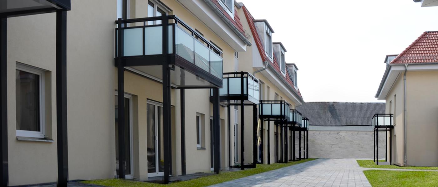Lückenbebauung, Holzrahmen- und Massivholzkonstruktion, Niedrigenergiehaus (KfW-55-Gebäude), Baukoordinierung, Qualitätssicherung, Kostenkontrolle, bauzeit berlin, Bauleitung