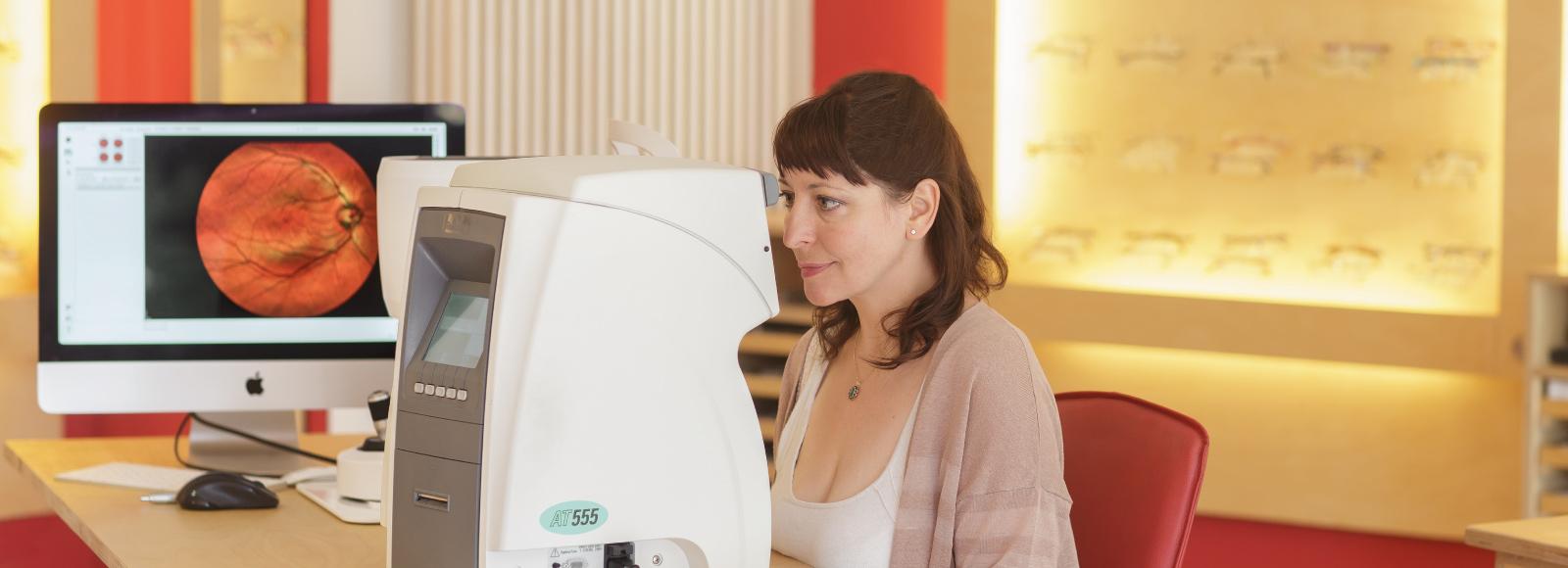 Augeninnendruckmessung bei Strodthoff-Optik