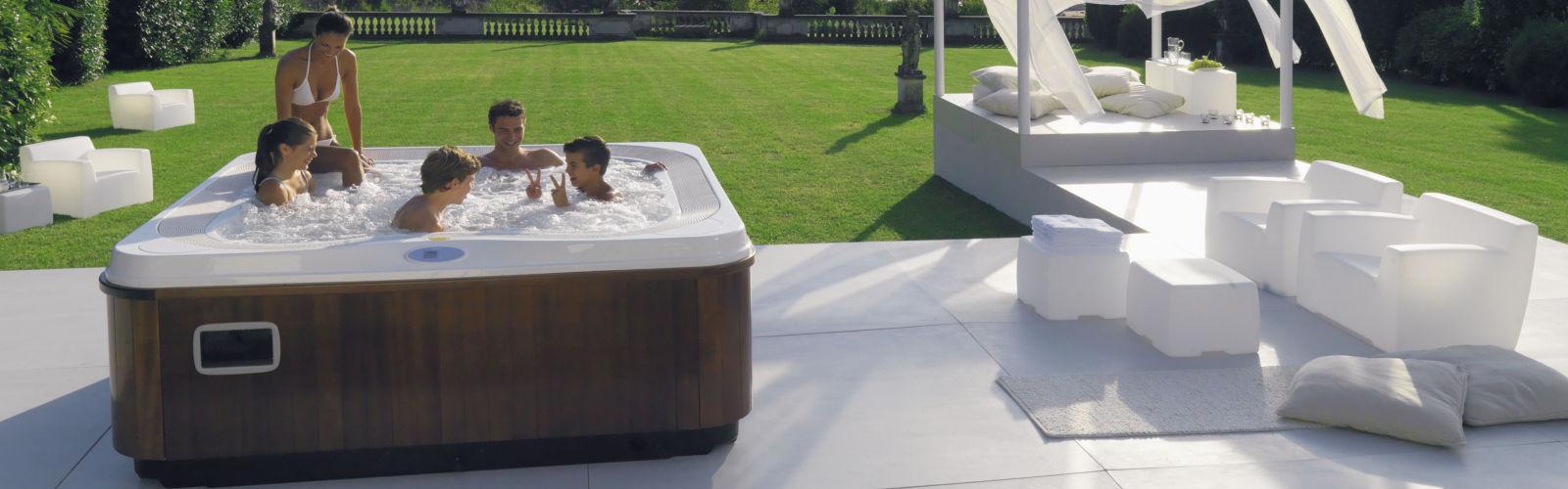 SK-Whirlpool-Jacuzzi-Außenwhirlpool auf der Terrasse