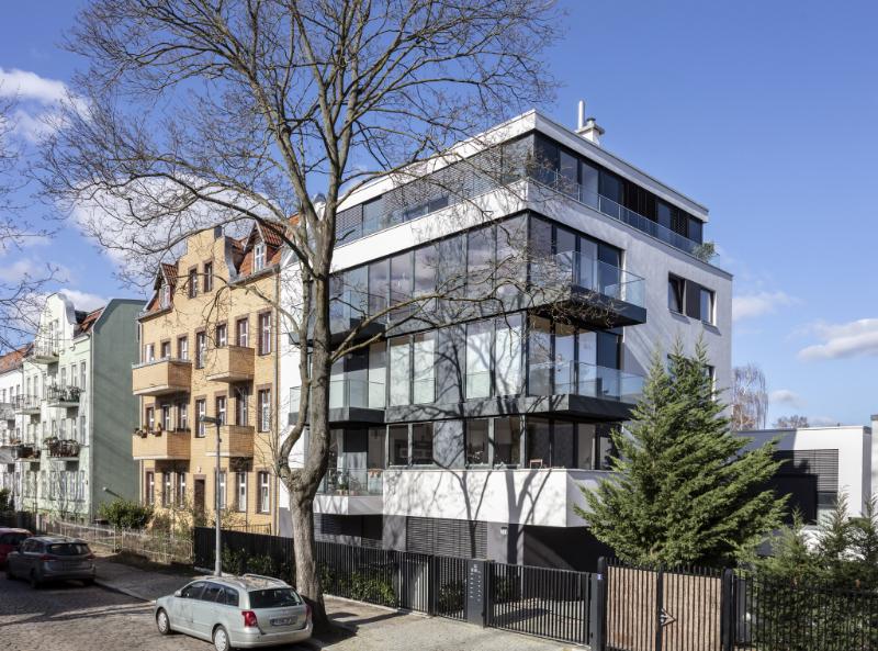 Neubau mit Holz-Aluminium-Fensteranlagen