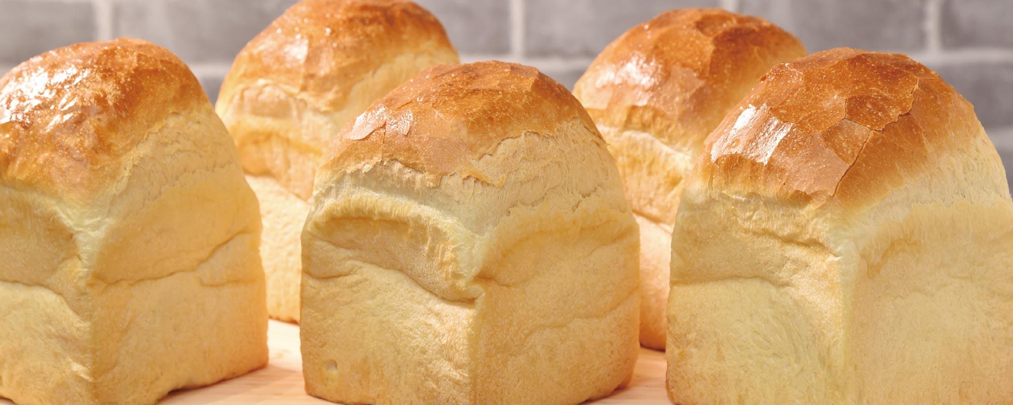 マルベーカリーの基本は食パンです