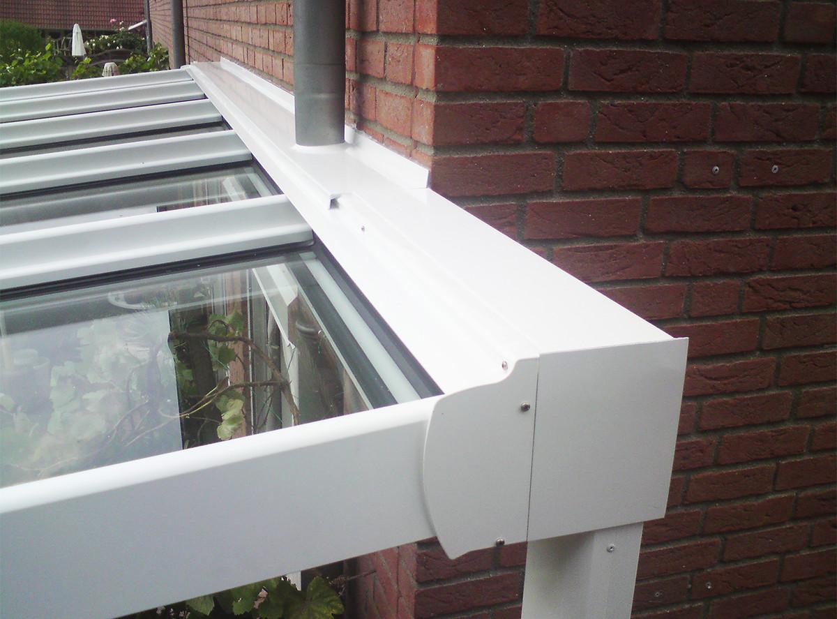 Terrassendachmontage an einen Trägerbalken