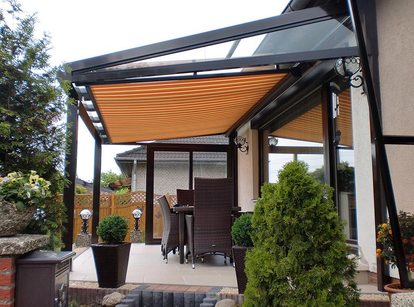 Terrassendach mit Unterdachbeschattung