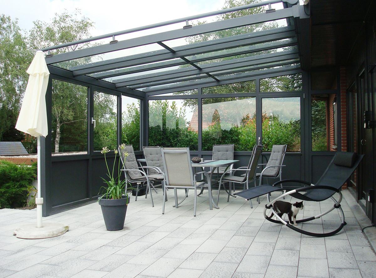 Überdachung mit feststehenden Seitenteil - HEUER aus Langenhagen / Hannover