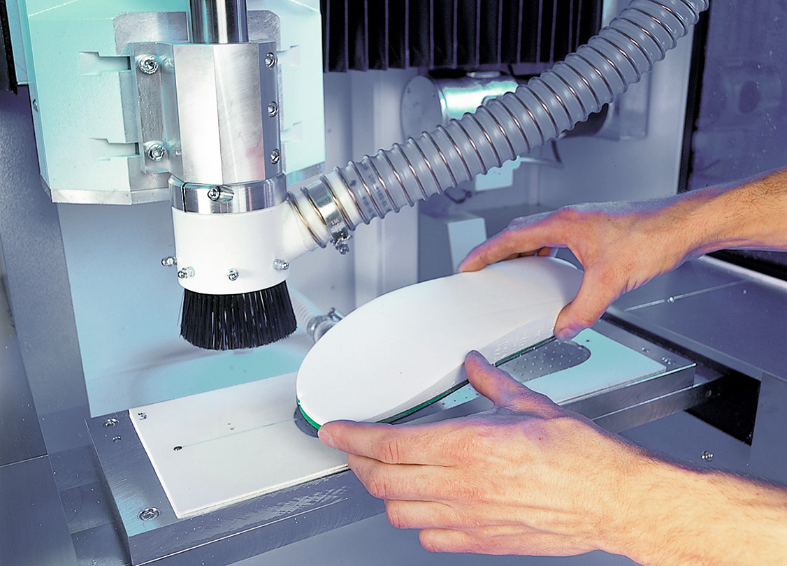 Equip the milling machine