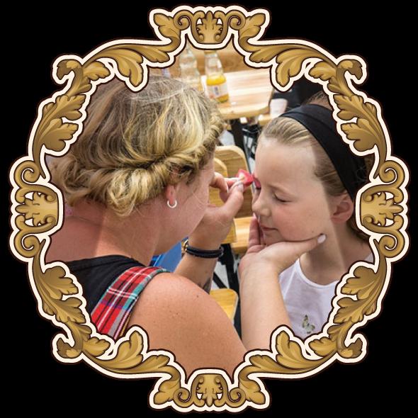 Kinderschminken auf dem Jahrmarkt der Wunder Salasas