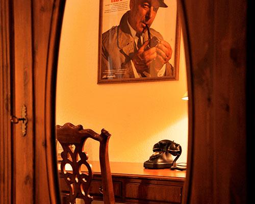 Krimihotel Themenzimmer Kommissar Maigret