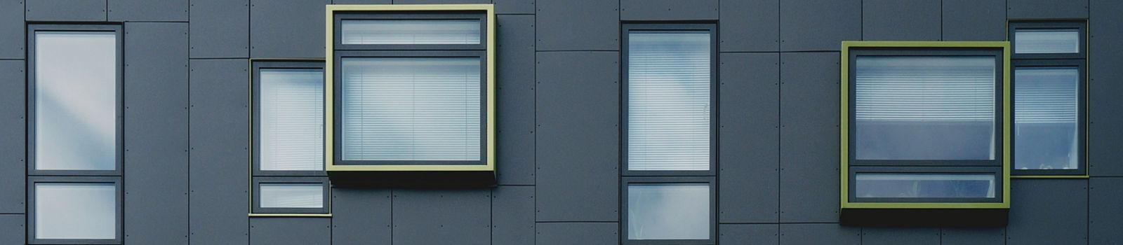 Eine fertige Fassade mit Vollwärmeschutz der Omega-Spezialbau GmbH