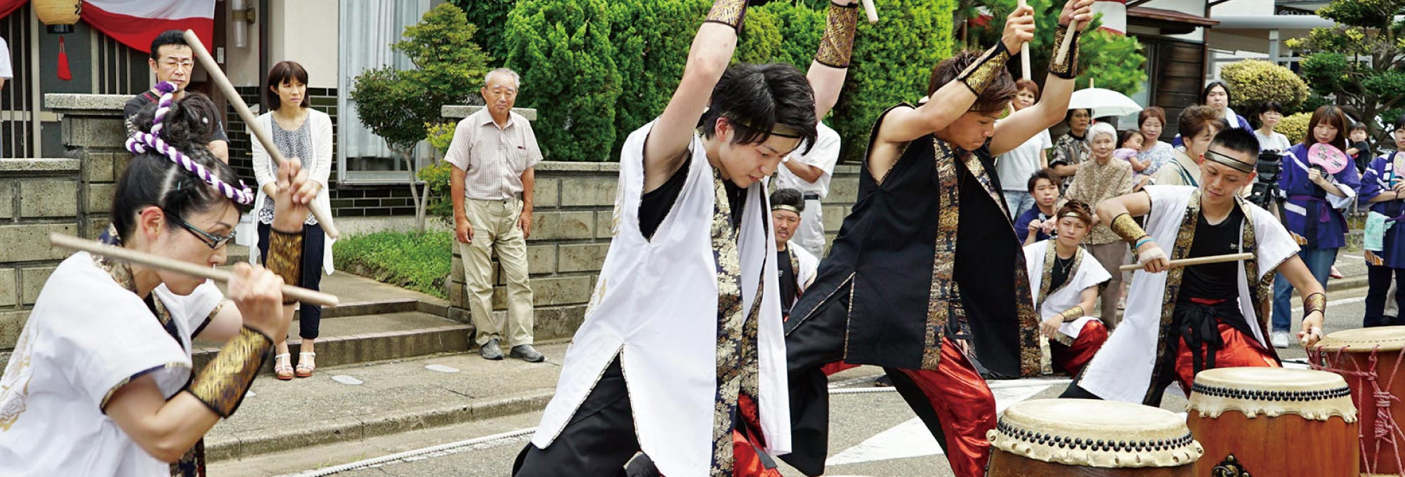 金津祭りの曲太鼓では各地から若者が集います