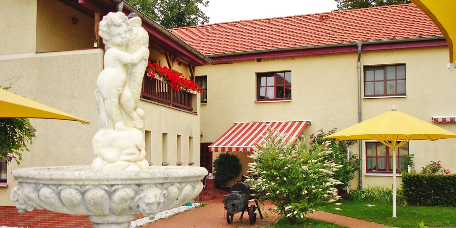 Erfahren Sie hier welche Wohnbereich es im Haupthaus gibt im Ruhesitz Golzow