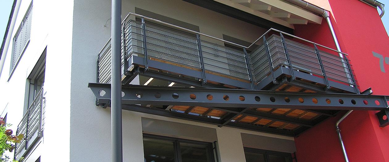 Balkone waldbauer stahlbau b blingen leonberg stuttgart for Stahlbau aussteifung