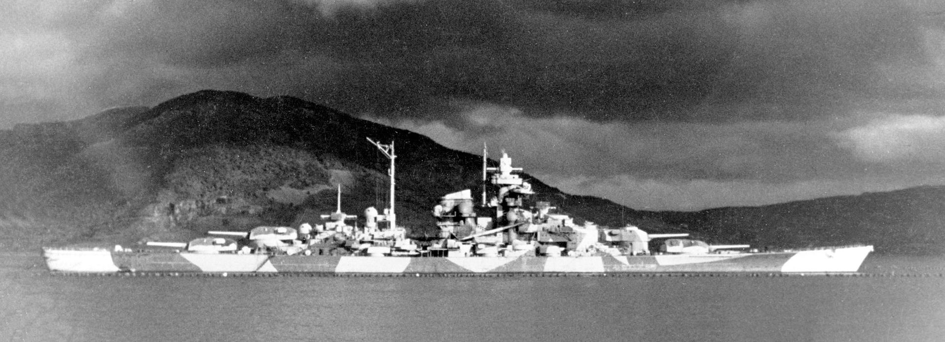KMS TIRPITZ by Revell
