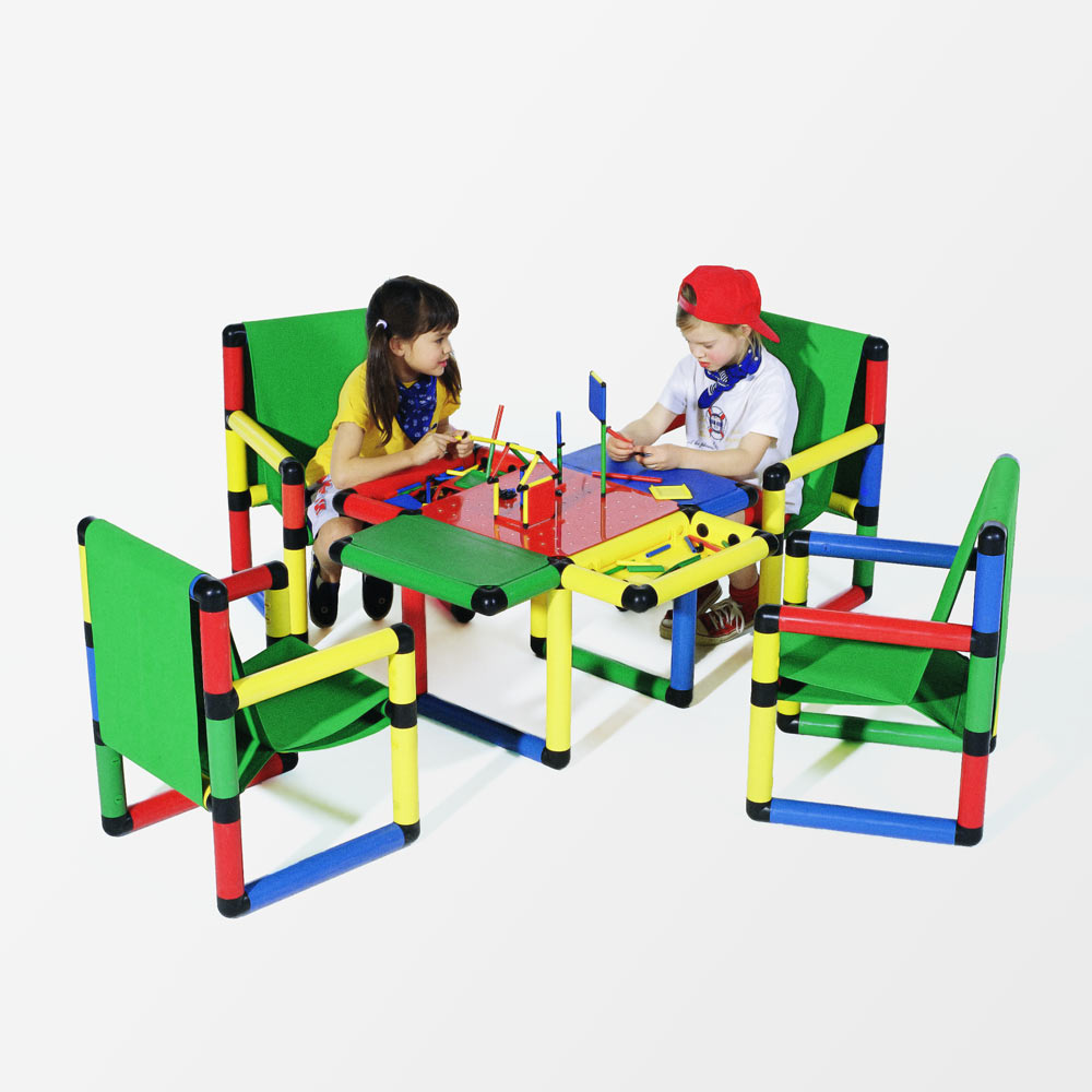 QUADRO Pro kids table and chairs