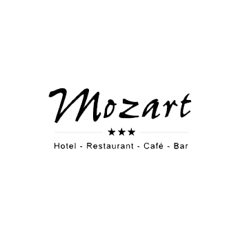 Smiling Customer - Logo Hotel Mozart Traunreut
