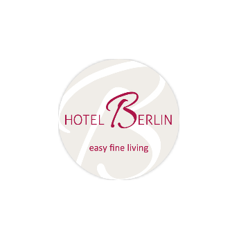 Smiling Customer - Logo Hotel Berlin