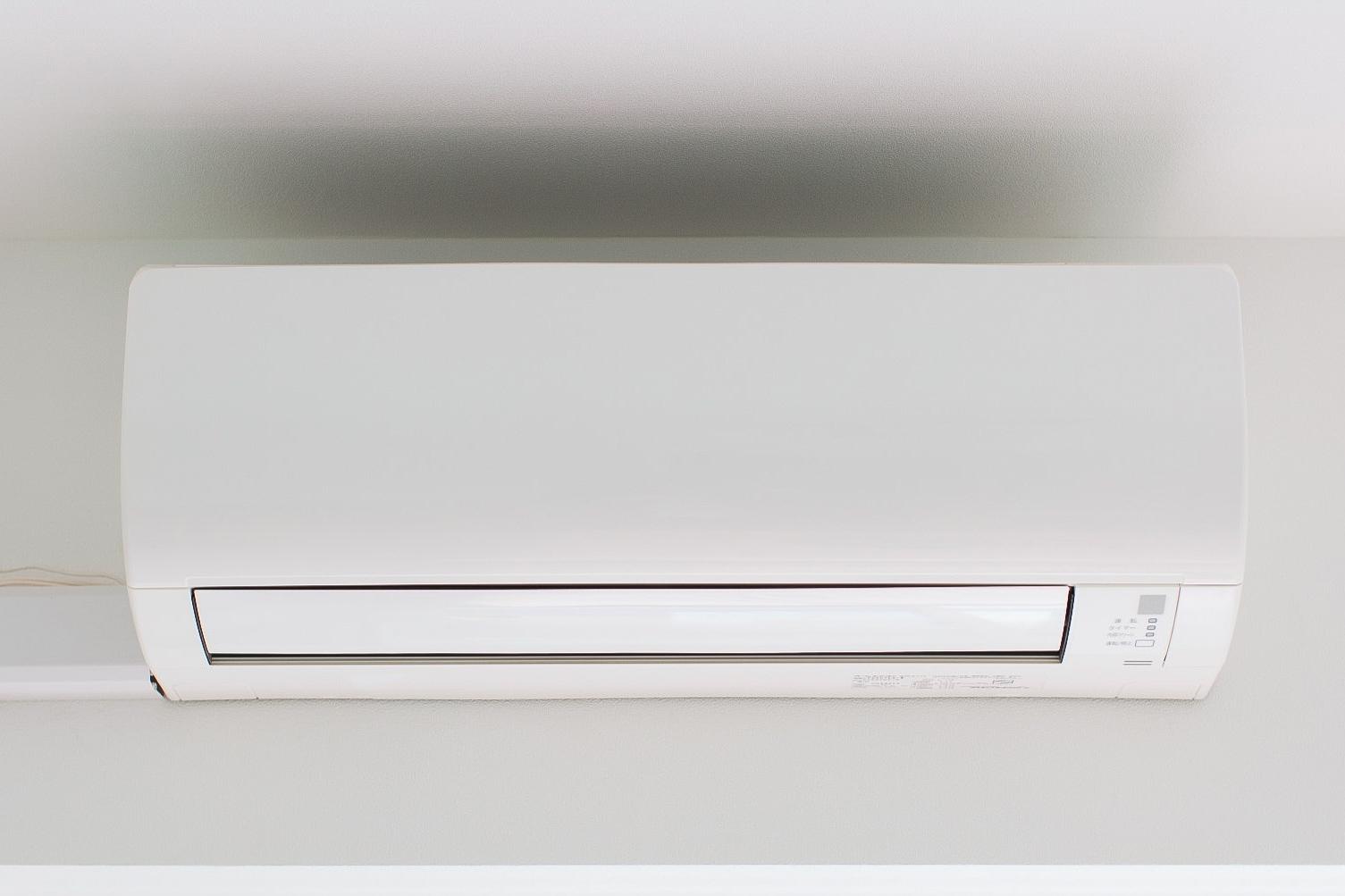 壁かけエアコンの写真