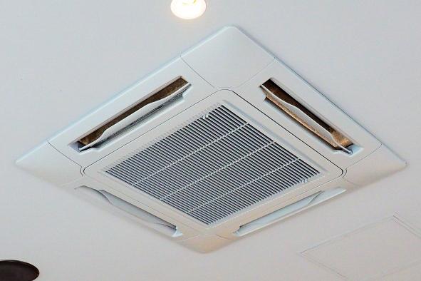 天井埋込エアコンの写真