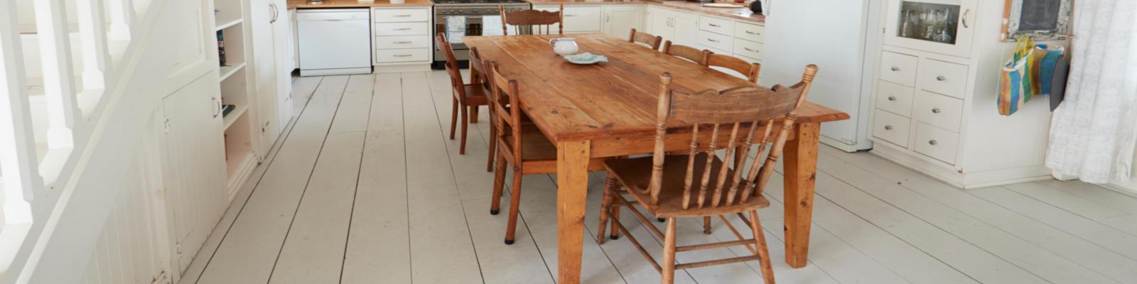 LMT Design - Massivholz Esstisch und Stühle