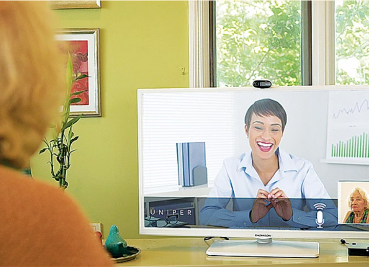 VIRTUAL PROGRAM DEVICES CONNECT SENIORS IN CINCINNATI TO COMMUNITIES AROUND THE COUNTRY