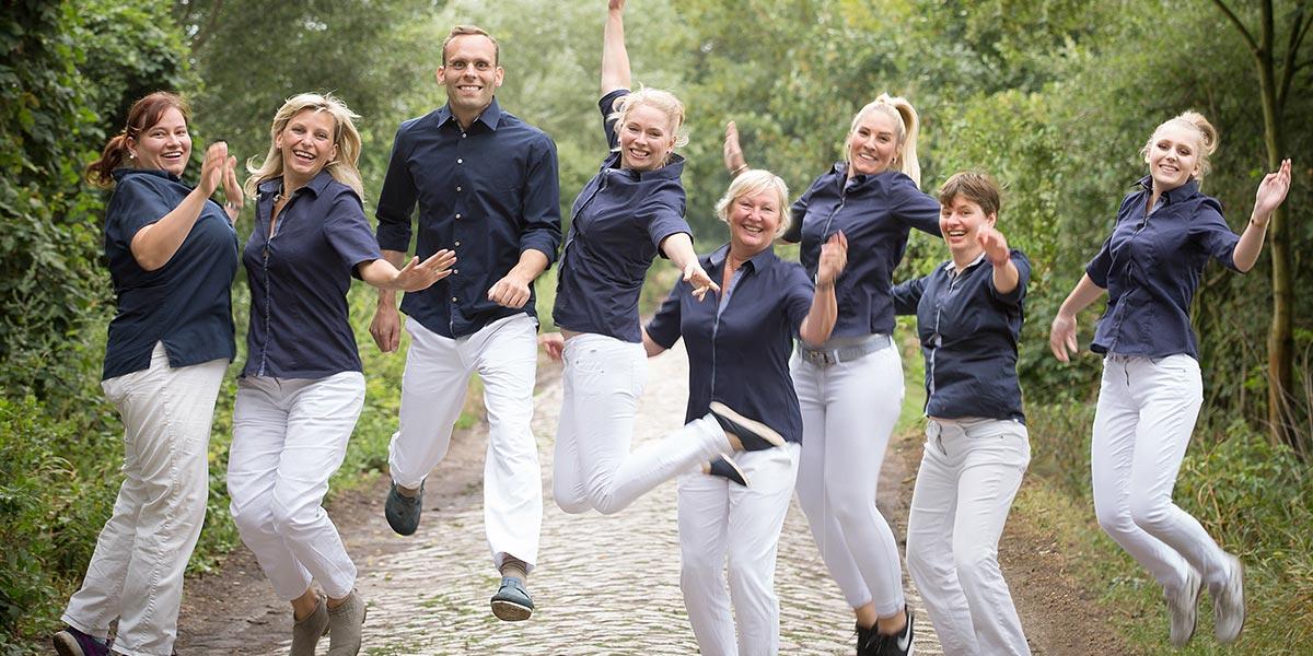 Teamfoto von der Zahnarztpraxis Dr.Gune in Dallgow-Döberitz