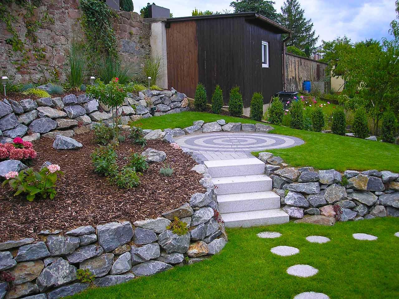 zaun sichtschutz gartenbau und landschaftsbau im vorderen odenwald. Black Bedroom Furniture Sets. Home Design Ideas