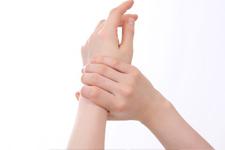 手 指の痛み