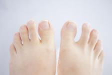 足 足指の痛み
