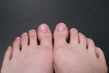 足首 足指が曲がりづらい