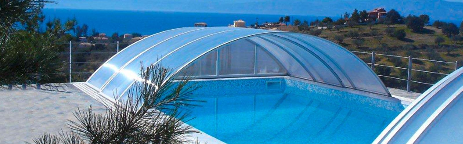 S&K GmbH Jacuzzi Whirlpool - Poolüberdachung nach vorne und hinten ausgefahren