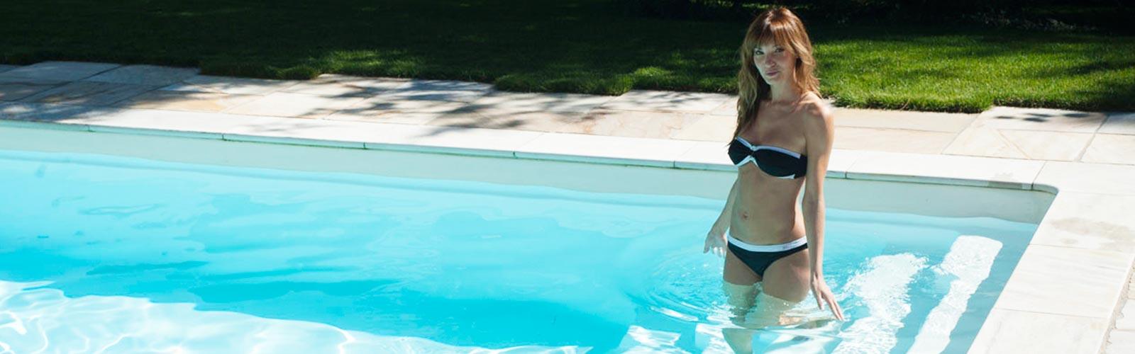 S&K GmbH Jacuzzi Whirlpool - Eine Frau im Pool