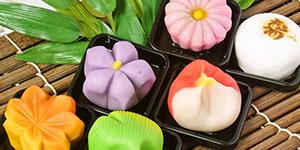 朝作りたての生菓子 名物「朝生菓子」