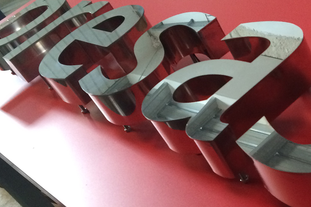Rètol lletres corpòries d'acer inoxidable