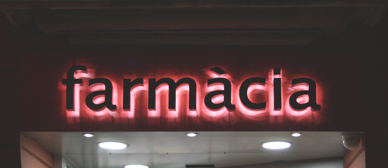 Rètol lletres corpòries acer inoxidable retroil·luminades farmàcies