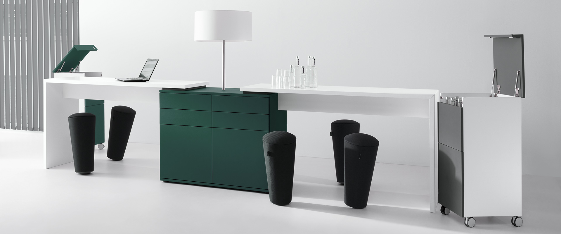 High-level table K-Modul Stand