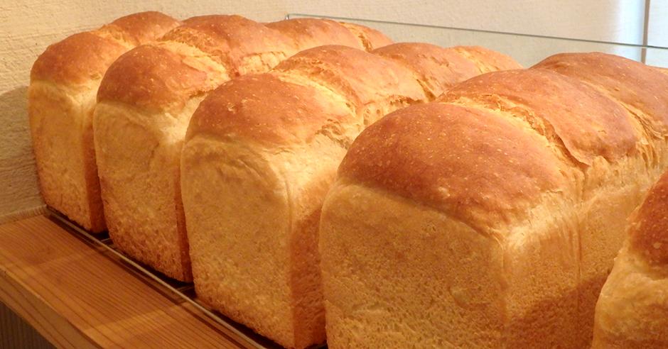 国産小麦、国産米粉、白神こだま酵母のパン屋 坪屋
