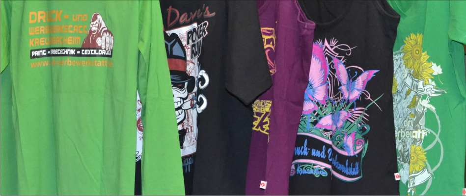 verschiedene bedruckte Shirts