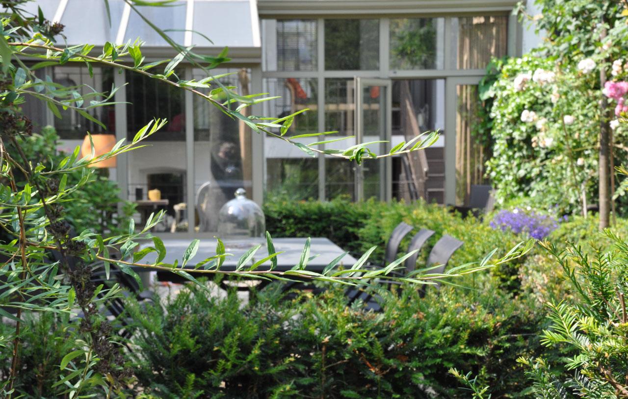 Maison d 39 h tes bruxelles un jardin en ville un for Architecte de jardin bruxelles