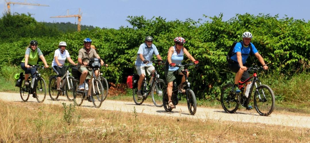tourenrad e bike touren rad und natur fahrradtouren. Black Bedroom Furniture Sets. Home Design Ideas